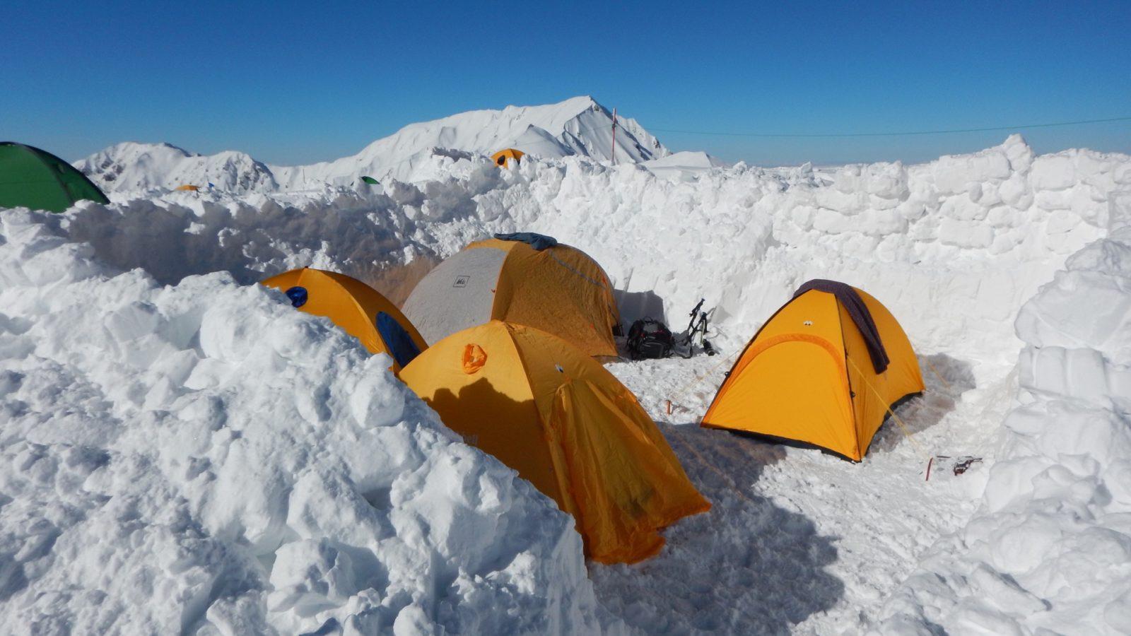 立山バックカントリーベースキャンプ